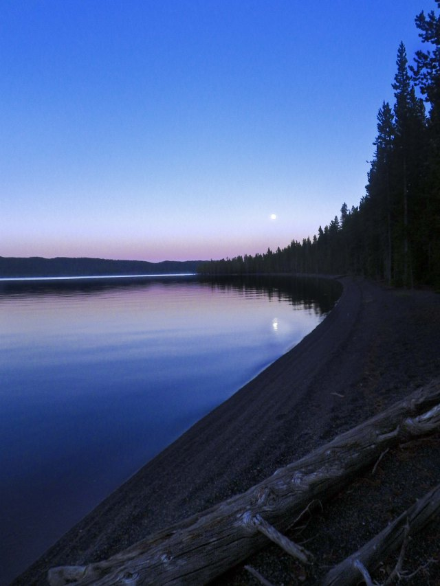 shoshone_lake_moonrise_1_blog
